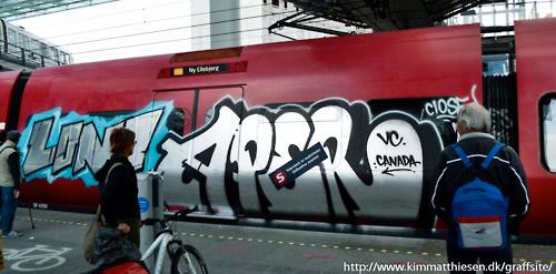 aper-train-graffiti2
